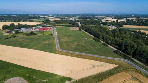 Gewerbegebiet Bredenbek an der A210 nach Kiel (SO / GE)