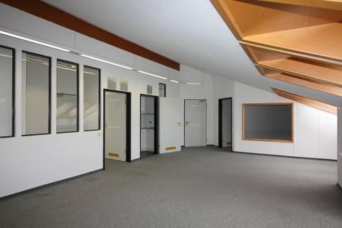 Attraktive Büroräume mit kostenlosen Parkplätzen im GTZ in Schwentinental