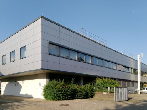 Bürogebäude, gepflegter Zustand, zentrale und verkehrsgünstige Lage