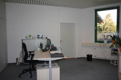 Schwentinental: Kleines, helles Büro