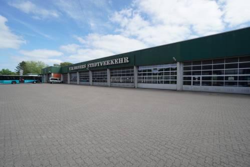 Gewerbehalle mit Werkstatt und Büroräumen